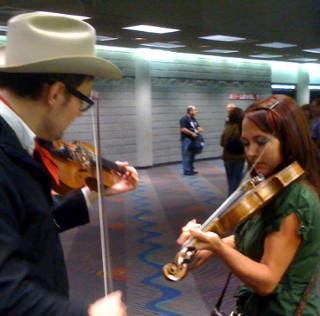 #AmericanaFest Fiddle Lesson